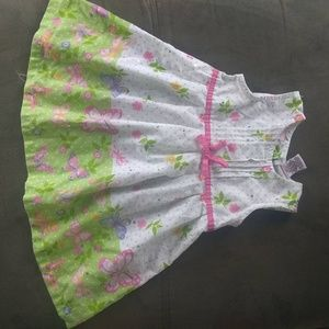 Sweet girls dress size 12 months.D34